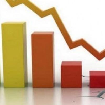 Recessione, crolla la produzione industriale su base annua