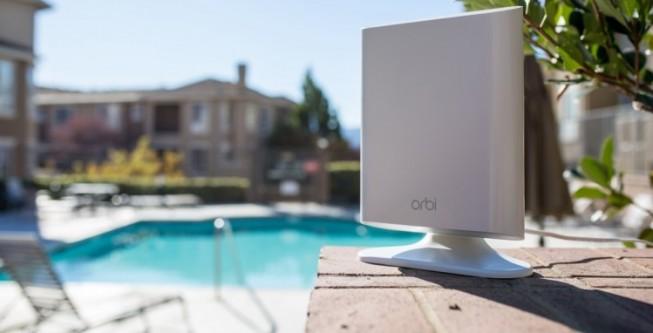 Netgear Orbi Outdoor estende la rete WiFi all'aperto