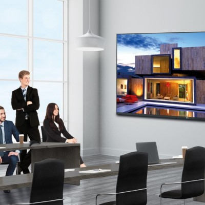 "LG, un LED display da 130"" per sale riunioni e video conferenze"