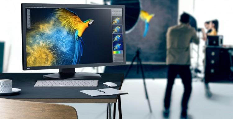 """NEC MultiSync PA311D, il monitor da 31"""" a tutto colore con risoluzione 4K"""