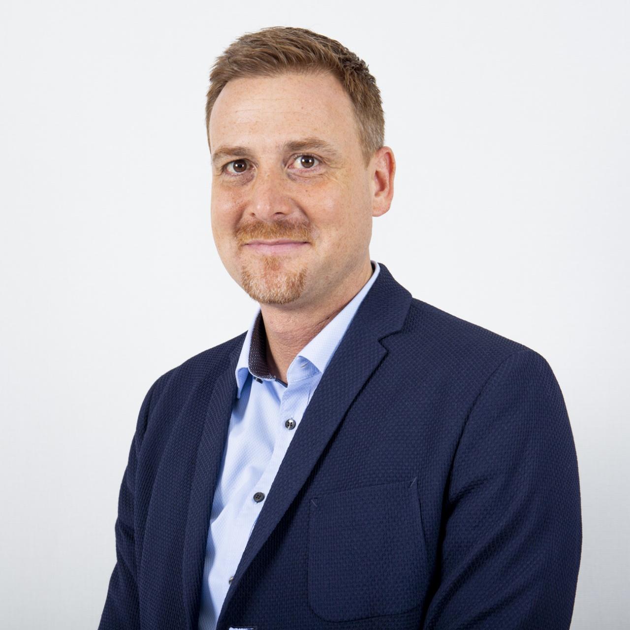 stefan sommer   director marketing and business management