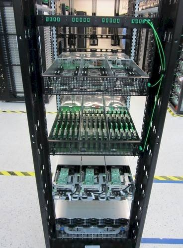 intel-e-facebook-tecnologia-fotonica-per-i-server--4.jpg