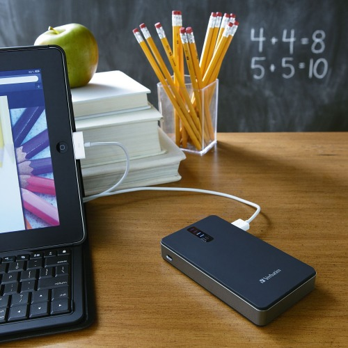 verbatim-dual-usb-e-portable-power-pack-per-la-ric-4.jpg